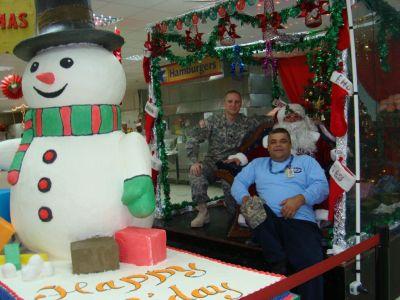 DFAC Worker and Santa